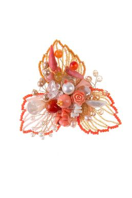 Брошь «Прекрасная Дама» (роз.коралл, халцедон, перламутр, кварц, жемчуг, худож.стекло)